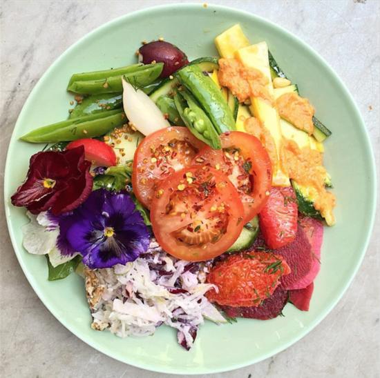 vegan_salad_raw_press_wrv0k9